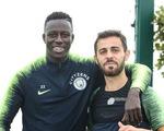 Sao Man City bị Hiệp hội bóng đá Anh điều tra vì…giỡn 'lố' với đồng đội