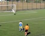 Video trận đấu vừa bắt đầu đã có 2 bàn thắng sau... 30 giây, với 1