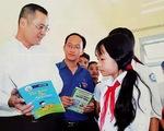 """Chủ tịch tỉnh viết """"tâm thư"""" nhắn học sinh ráng đọc sách, học ngoại ngữ"""