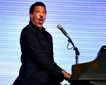Lionel Richie dẫn đầu danh sách Billboard Artist 100