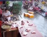 Video bão mạng một vụ trộm thịt heo nhét vào túi quần