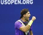 Thắng ngược 'tàu tốc hành', 'tiểu Federer' vào bán kết Mỹ mở rộng