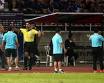 Ban huấn luyện đội tuyển Việt Nam và Thái Lan hai lần