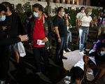 Núi lửa Taal thức giấc, hơn 200.000 người bị ảnh hưởng