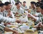 Bữa cơm tất niên ở trại giam
