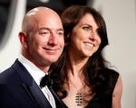 Mất 10 tỉ USD một năm, Jeff Bezos vẫn là người giàu nhất thế giới