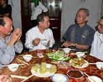 Chủ tịch Thừa Thiên Huế đón giao thừa và ăn cơm với bà con Thượng thành