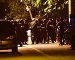Bám trụ trong đêm vây bắt kẻ xả súng tại Củ Chi
