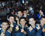 Mùa xuân biển đảo 2020: Những chiến sĩ tuổi đôi mươi khoe tài hát, nhảy