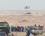 Đặc công nước, trực thăng cứu hộ thuyền viên tàu Vietship 01 trước khi bão số 6 vào bờ