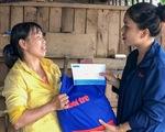 Báo Tuổi Trẻ tiếp tục trao quà bạn đọc đến bà con vùng lũ