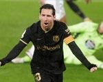 Làm cho đối phương phản lưới, Messi giúp 10 người Barca đánh bại Celta Vigo