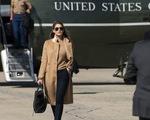 Vợ chồng ông Trump có thể phải cách ly sau khi cố vấn thân cận dương tính COVID-19