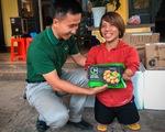 Quà bạn đọc báo Tuổi Trẻ đến các mái ấm, trung tâm xã hội Quảng Trị