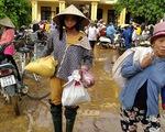Bà con rốn lũ Quảng Bình: