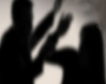 Nữ nhân viên bị chủ quán dùng vũ lực khống chế, hiếp dâm