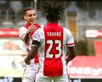 Ajax thắng