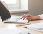Bất ngờ nghiên cứu mới: Người làm việc chân tay sa sút trí tuệ nhiều hơn dân văn phòng