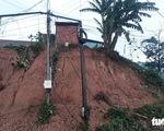 NÓNG: Vụ sạt lở đất vùi 8 người, đã tìm thấy thi thể bé gái lớp 5