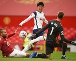Những khoảnh khắc ấn tượng trong ngày Man Utd, Liverpool cùng bị