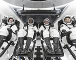"""""""Rồng"""" của SpaceX đã bay vào không gian"""