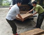 Xe chở gỗ lậu