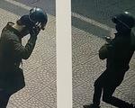Kẻ cướp ngân hàng bịt mặt kín mít dọa: