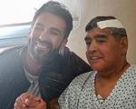 Bác sĩ phẫu thuật cho Maradona: