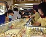 Giá vàng trong nước rơi khỏi ngưỡng 57 triệu đồng/lượng