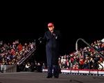 349/376 hạt có dịch bệnh COVID-19 nghiêm trọng nhất bầu cho ông Trump