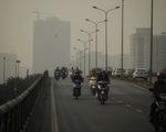 Sáng 10-12, trời Hà Nội mờ đục trong nắng vì ô nhiễm nghiêm trọng