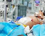 Cứu bé trai 9 tuổi bị sốc sốt xuất huyết nặng, tổn thương nhiều cơ quan