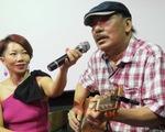 Nhạc sĩ Trần Tiến đến xem Màu cỏ úa, hát Mặt trời bé con và nói: