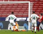 Suarez lập cú đúp giúp Atletico Madrid xây chắc ngôi đầu bảng