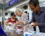 Thông tuyến tỉnh BHYT: Bệnh nhân mừng, bệnh viện lo