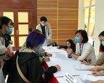 Vắcxin ngừa COVID-19 : Tìm mua hàng ngoại, tăng tốc phát triển hàng nội