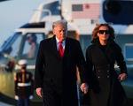 Vợ chồng ông Trump đi Florida nghỉ Giáng sinh, bỏ ngỏ số phận gói cứu trợ COVID-19