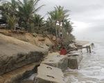 Bờ biển du lịch Đà Nẵng tiếp tục sạt lở nặng