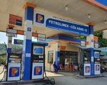 Giá xăng tiếp tục tăng mạnh gần 700 đồng
