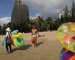 Đảo Trung Quốc thu hút 10 triệu du khách trong 1 tháng nhờ 6 tháng không có ca COVID-19