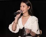 Amee - nghệ sĩ mới xuất sắc tại Việt Nam vừa thắng giải MAMA nói gì về hát live?