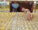 Giá vàng trong nước vẫn cao hơn thế giới gần 4 triệu đồng
