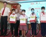 300 học sinh khó khăn Kiên Giang nhận học bổng 'Gieo mầm tri thức'