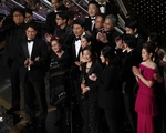 Đạo diễn Bong Joon Ho sau chiến thắng Oscar: 'Mọi thứ thật điên rồ!'