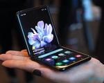 Cuộc chạy đua về giá của smartphone cao cấp giữa Apple và Samsung