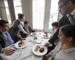 Chọn trường nào để học quản trị nhà hàng và dịch vụ?