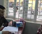 Hà Nội niêm phong một quầy thuốc vì 'chặt chém' giá khẩu trang