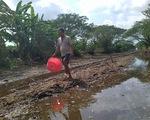 Qua miền khô hạn - Kỳ 1: Những dòng sông khô nứt