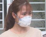Niềm vui vỡ òa với nữ bệnh nhân nhiễm corona trong ngày xuất viện