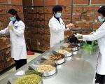 Trong đại dịch corona, dân Trung Quốc lùng mua thuốc trị HIV